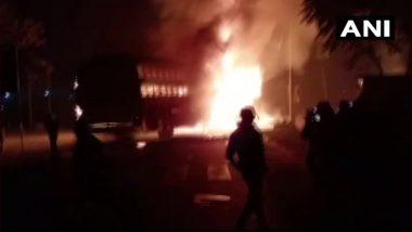 Kannauj Bus Fire: কনৌজে লরির সঙ্গে যাত্রীবাহী বাসের সংঘর্ষে ভয়াবহ আগুন, অগ্নিদগ্ধ হয়ে মৃত ২০