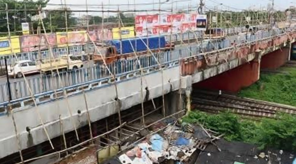 Tallah Bridge: বন্ধ টালা ব্রিজ, উত্তর কলকাতাতে ধীর গতিতে এগোচ্ছে গাড়ি, পরিস্থিতি সামলাতে ব্যস্ত কলকাতা পুলিশ