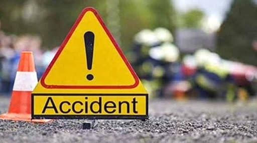 Road Accident In Hooghly: নিয়ন্ত্রণ হারিয়ে নয়ানজুলিতে পুলকার, গ্রিন করিডর বানিয়ে SSKM-এ নিয়ে আসা হল ৩ পড়ুয়াকে