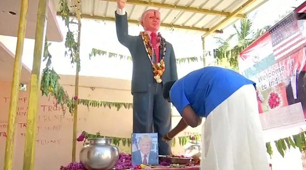 Donald Trump Super Fan: উপোস রেখে ফুল, মালা পরিয়ে দিনরাত্রি ডোনাল্ড ট্রাম্পের মূর্তি পুজো ভারতীয় ভক্তের