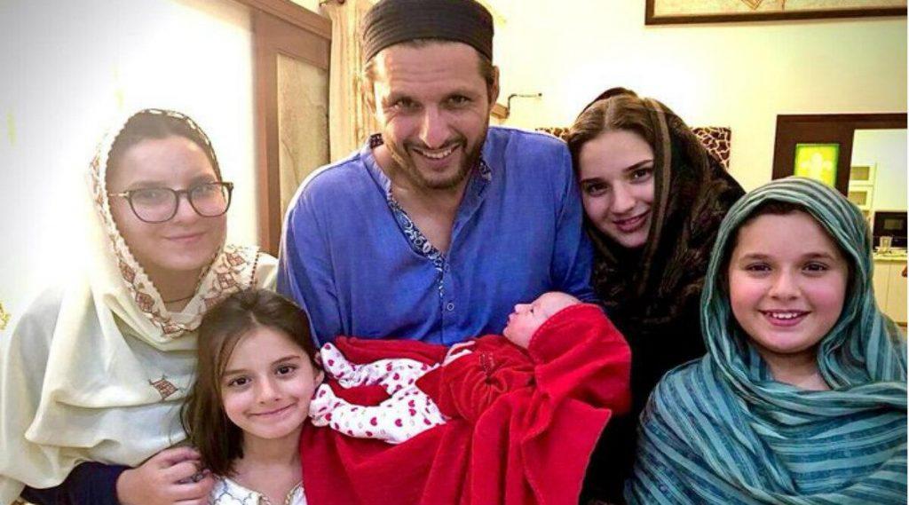 Shahid Afridi: পঞ্চম কন্যাসন্তানের বাবা হলেন পাকিস্তানের প্রাক্তন ক্রিকেটার শাহিদ আফ্রিদি