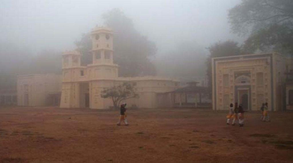 Visva Bharati University: রবীন্দ্রনাথ নিজেও বহিরাগত ছিলেন, রাজনৈতিক উস্কানিতেই বিশ্ববিদ্যালয়ে ভাঙচুর হয়, চিঠিতে অভিযোগ বিশ্বভারতীর উপাচার্যের