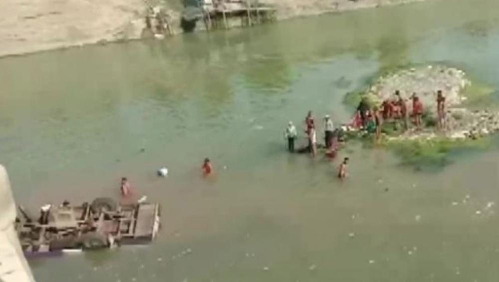 Bundi Bus Accident: রাজস্থা্নে বরযাত্রী বোঝাই বাস পড়ল নদীতে, এখন পর্যন্ত মৃত ২৪