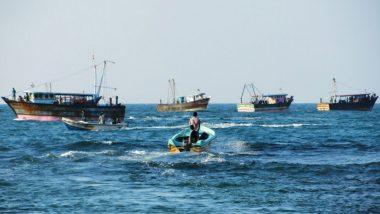 Gujarat fishermen Staying Off The Coast: লকডাউনে সমুদ্রে ভেসে দিন কাটছে গুজরাতের ৭৫ হাজার মৎস্যজীবীর
