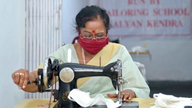 Savita Kovind: ত্রাণশিবিরের মানুষদের জন্য নিজে হাতে মাস্ক তৈরি দেশের ফার্স্ট লেডি সবিতা কোবিন্দের