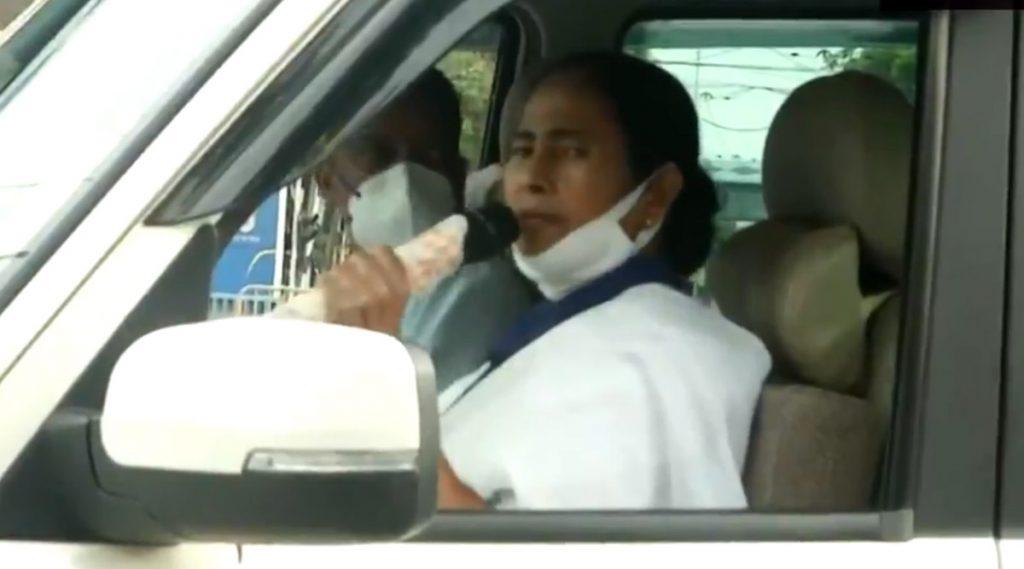 Mamata Banerjee: বৈশাখের কাঠফাটা দুপুরে রাস্তায় মমতা, আবেদন জানালেন 'ঘরে থাকুন'