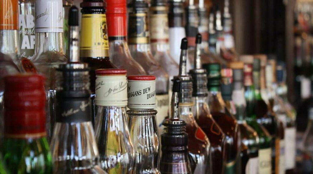 Home Delivery of Liquor: অনলাইনে অর্ডার দিলেই মিলবে বাড়ি বসে সুরাপানের সুযোগ
