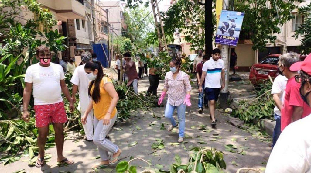 Kolkata: বিদ্যুৎ নেই, জল নেই; রাজ্যের বিভিন্ন জেলায় বিক্ষোভ-রাস্তা অবরোধ