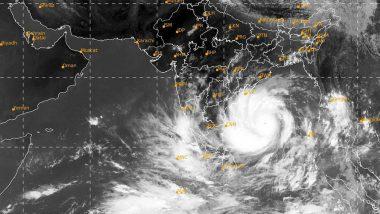 Cyclone Amphan Update: আম্ফান ঘূর্ণিঝড়ের দাপটে কাঁপছে ভদ্রক পারাদ্বীপ, ঝড় বৃষ্টিতে ভাসছে সমগ্র ওড়িশা