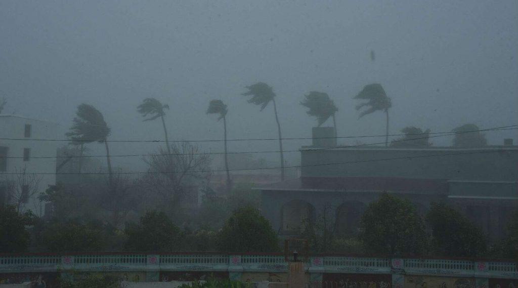 Cyclone Amphan Update: 'লেভেল ৫'-স্তরে এক্সট্রিম সিভিয়ার আম্ফান ঘূর্ণিঝড় তৎপর রাজ্য প্রশাসন