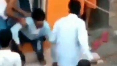 Gujarat: তিনগুণ দামে ট্রেনের টিকিট বিক্রি, প্রতিবাদ করায় পরিযায়ী শ্রমিকের মাথা ফাটাল বিজেপি নেতা; ভাইরাল ভিডিয়ো