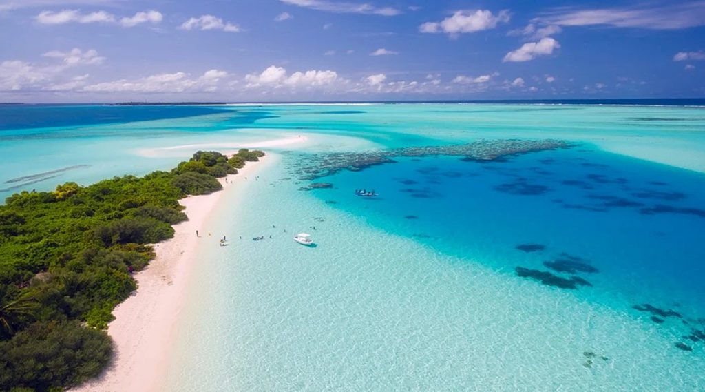 Maldives: খুলছে সীমান্ত, করোনা মোকাবিলায় নীতি নির্দেশিকা মেনে বিদেশি পর্যটকদের স্বাগত জানাতে প্রস্তুত মালদ্বীপ