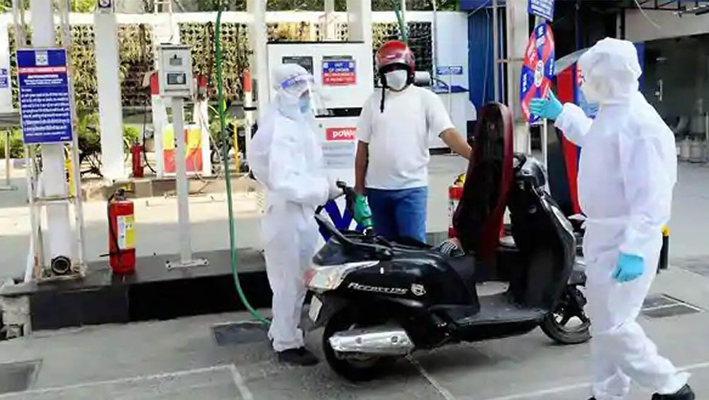 Petrol, Diesel Prices Hike: মহালয়ার সকালেই ফের বাড়ল পেট্রোল ডিজেলের দাম, দেখে নিন এক ঝলকে