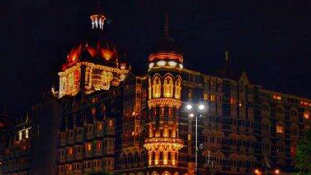 Taj Hotel in Mumbai: বোমায় উড়বে তাজ হোটেল, পাকিস্তানের হুমকিতে কড়া নিরাপত্তার চাদরে মুম্বই