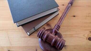 Lockdown Divorce: লকডাউনে থমকে আদালতের কাজ, ভিডিও কনফারেন্সিংয়ে হল দম্পতির বিবাহ বিচ্ছেদ