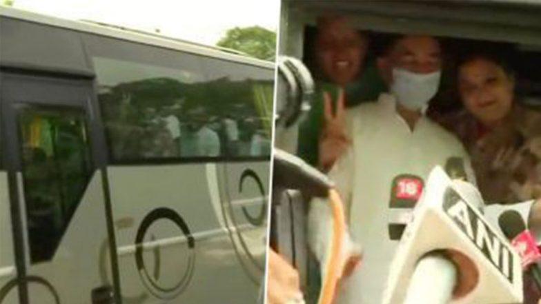 Rajasthan Political Crisis: সরকার বাঁচাতে অশোক গেহলতের বৈঠকের পর বাসে চড়ে কংগ্রেস বিধায়করা চললেন রিসর্টে, দেখুন ছবি