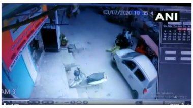 Delhi: মহিলাকে গাড়ি চাপা দিয়ে পালিয়ে যাওয়ার চেষ্টা পুলিশকর্মীর, দেখুন ভিডিয়ো