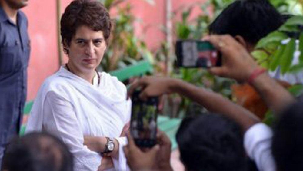 Priyanka Gandhi: কেন্দ্রীয় নির্দেশিকার পর দিল্লি থেকে লখনউতে শিফট করছেন প্রিয়ঙ্কা গান্ধী