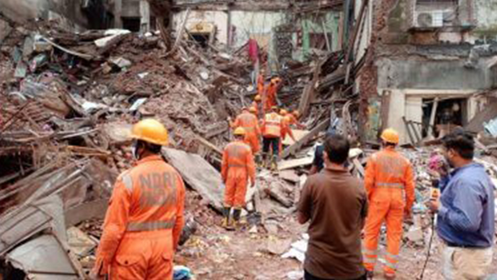 Mumbai Building Collapse Update: মুম্বইতে বহুতল ভেঙে পড়ার ঘটনায় মৃতের সংখ্যা বেড়ে ৬, জোরকদমে চলছে উদ্ধারকাজ