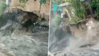 Delhi Rains: দিল্লিতে প্রবল বৃষ্টি, নালার জলের তোড়ে ভেসে গেল বাড়ি (দেখুন ভিডিও)