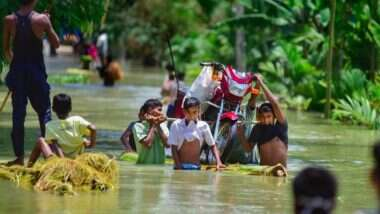 Assam Floods: বন্যার জেরে বিধ্বস্ত অসম, গ্রামের পর গ্রাম জলের নীচে, মৃতের সংখ্যা বেড়ে ১১০