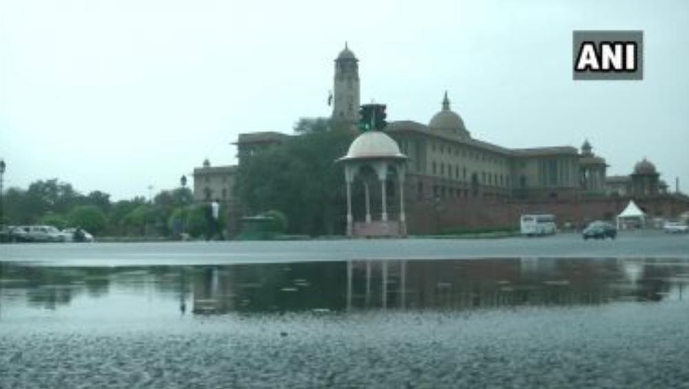 Delhi-NCR Rains: মুষলধারের বৃষ্টিতে জলমগ্ন রাজধানী, দিল্লির রাজপথে গাড়ির ভাসমান ছবি সোশ্যাল মিডিয়ায় ভাইরাল
