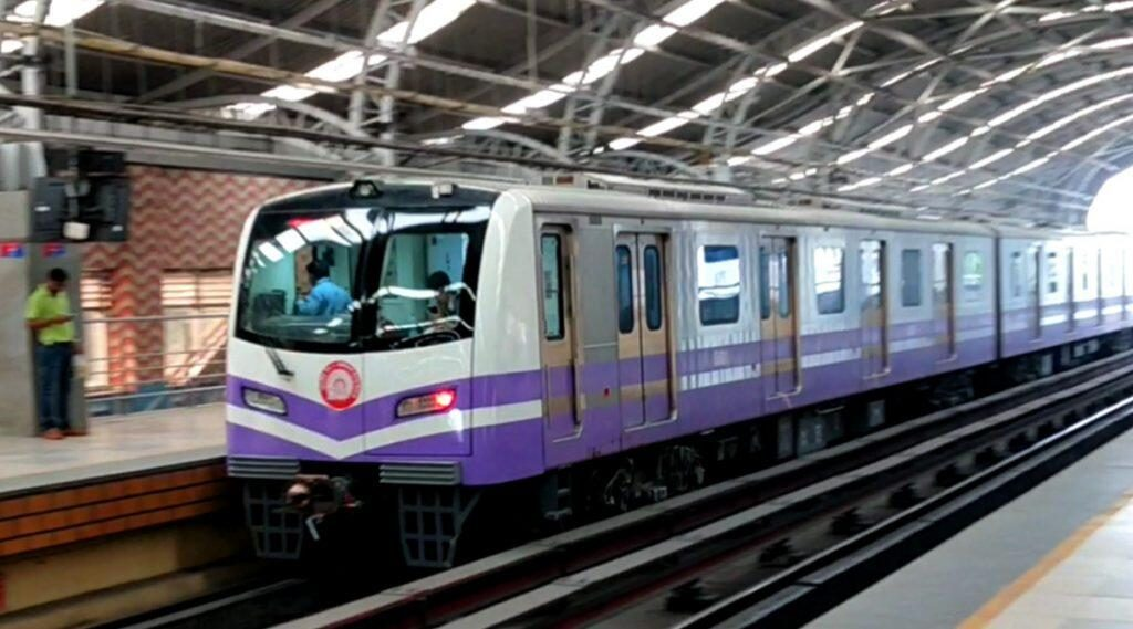 Kolkata Metro: আজ থেকে সর্বসাধারণের জন্য খুলে গেল কলকাতা মেট্রো, নিয়ম মেনেই সওয়ার যাত্রীদের