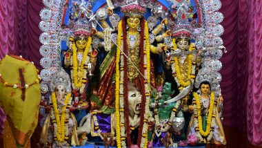 Durga Puja 2020 Maha Ashtami Puja: আজ মহাষ্টমী, মণ্ডপে মণ্ডপে চলছে পুজো, অঞ্জলি দেওয়া