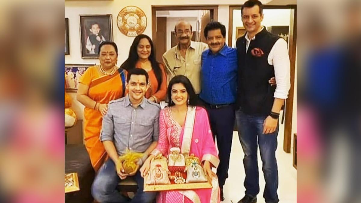 Aditya Narayan, Shweta Agarwal's wedding: আদিত্য নারায়ণ ও শ্বেতা আগরওয়ালের বিয়ের উৎসব শুরু, দেখুন তাঁদের রোকা অনুষ্ঠানের ছবি