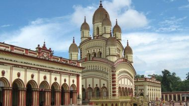 Dakshineshwar Kali Temple: করোনা বিধি মেনেই চলছে দক্ষিণেশ্বরের কালীপুজো, রাশ টানা হয়েছে ভক্ত সমাগমে