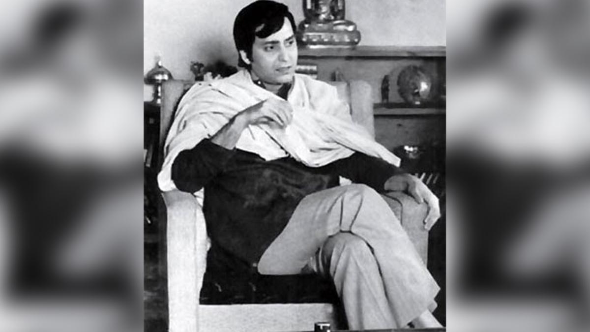 Late Actor Soumitra Chatterjee's Best Movies: মৃত্যুর সঙ্গে 'তিনপাত্তি' খেলা শেষ অভিনেতা সৌমিত্র চট্টোপাধ্যায়ের; ফিরে দেখা তাঁর অভিনীত অনবদ্য বাংলা চলচ্চিত্রগুলি