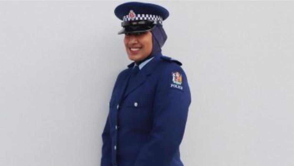 New Zealand Police: এই প্রথম উর্দির সঙ্গে হিজাব পরলেন নিউজিল্যান্ডের মহিলা পুলিশ জিনা আলি, কেন জানেন?