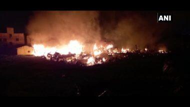Fire in Kolkata: কালীপুজোর রাতে আগুনে ভস্মীভূত নিউটাউনের গৌরাঙ্গ নগর এলাকার একাধিক ঝুপড়ি