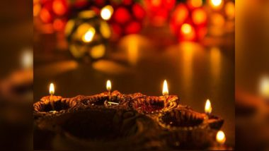 Kali Puja Bulb Decoration: করোনার ভয়াল অন্ধকার কাটাতে কালীপুজোয় এভাবেই সাজিয়ে তুলুন আপনার বাড়ি