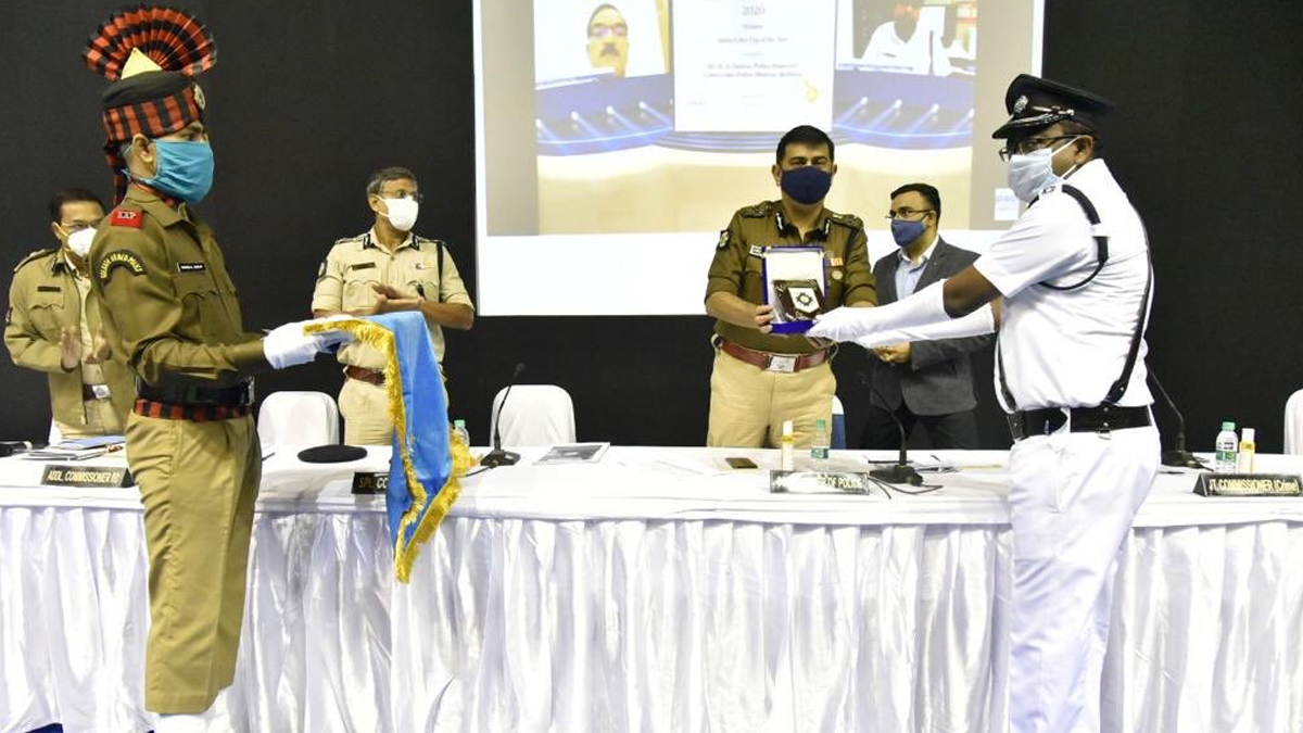 Kolkata Police: দেশের সেরা 'সাইবার কপ'-র তকমা পেলেন কলকাতা পুলিশের সাইবার থানার ইন্সপেক্টর ডেনিস অনুপ লাকরা