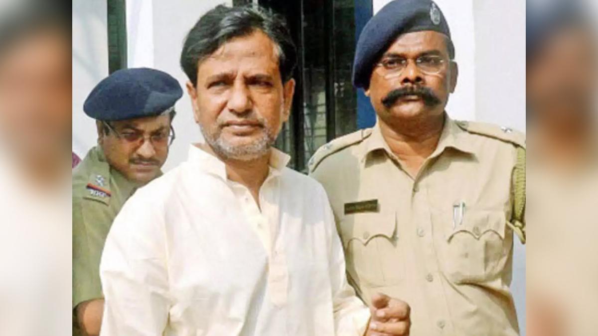 Saradha Chit Fund Scam: 'কোটি কোটি টাকা নিয়েছেন বিমান বসু, সুজন চক্রবর্তী, অধীর চৌধুরী এবং মুকুল রায়', চিঠিতে দাবি সারদা-কর্তা সুদীপ্ত সেনের