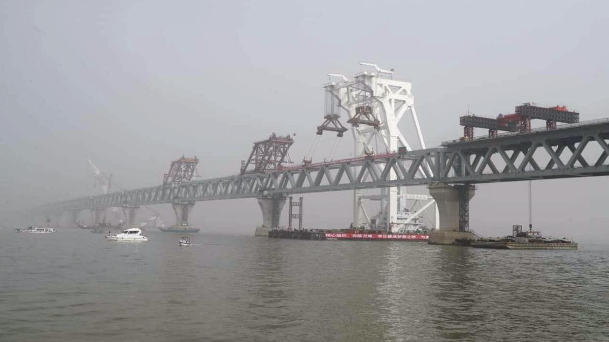 Padma Bridge: বাংলাদেশের পদ্মাসেতুর সর্বশেষ স্প্যান বসানোর কাজ শেষ হল