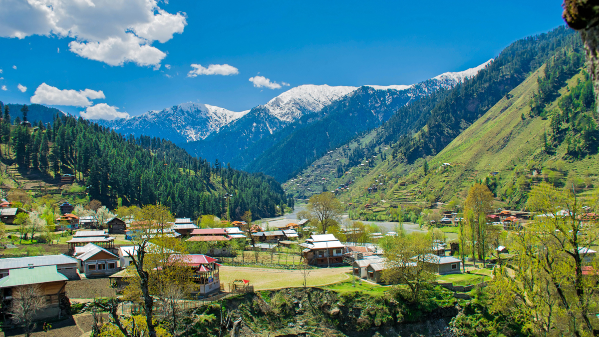 Kashmir Valley Temperature: কাশ্মীরজুড়ে পারদ নেমেছে মাইনাসের নীচে, গুলমার্গে তাপমাত্রা মাইনাস ১০.২ ডিগ্রি সেলসিয়াস