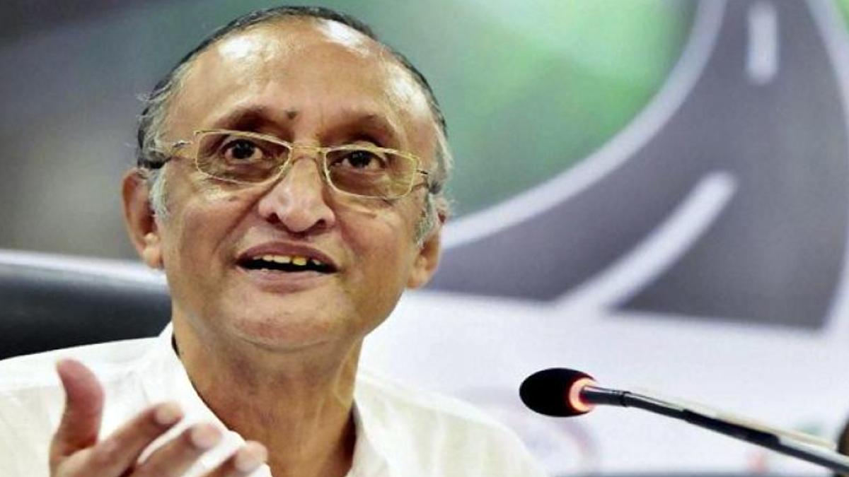 Amit Mitra: কমবে জ্বালানির দাম! পেট্রল ও ডিজেলের ওপর থেকে এক টাকা কর কমাল রাজ্য সরকার, ঘোষণা অমিত মিত্রের