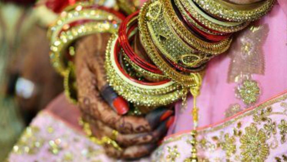Interfaith Marriage: লাভ জেহাদের অজুহাতে বিবাহ বাসরে যোগীর পুলিশ, বিয়ে বন্ধ রাখতে বর-কনের পরিবারকে দিতে হল মুচলেকা