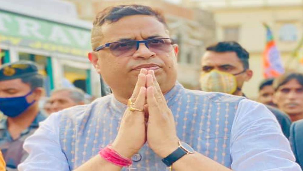Soumitra Khan: 'বাইরে দেখতে গিয়ে নিজের ঘরের লক্ষ্মী সিঁদ কেটে চুরি হয়ে গেছে', সুজাতাকে বিচ্ছেদের নোটিস পাঠালেন সৌমিত্র খাঁ