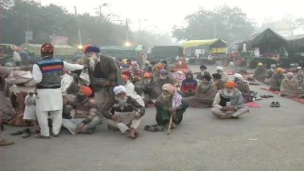 Farmers Protest Latest Updates: মঙ্গলবার তিনটেয় কৃষক সংগঠনের সঙ্গে বৈঠক ডেকেছে কেন্দ্র, সিঙ্গু ও টিকরি সীমান্তে বন্ধ ট্রাফিক চলাচল