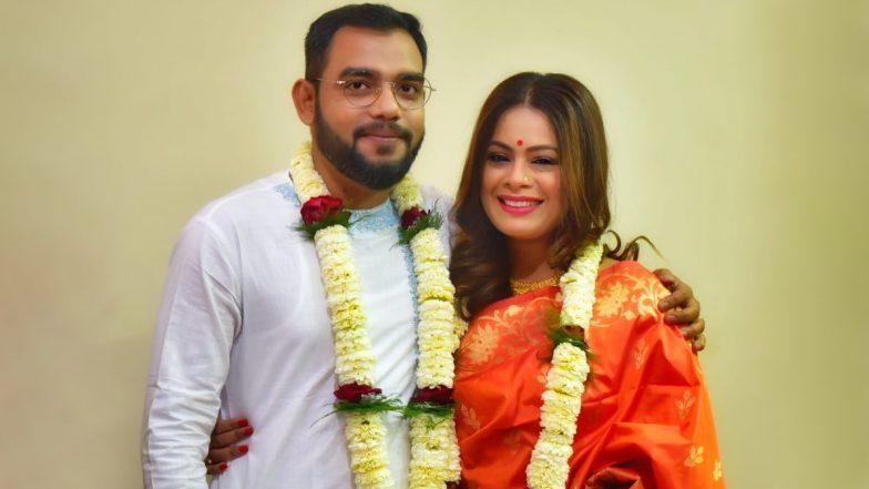 Iman Chakraborty Got Married: আইনত বিবাহিত গায়িকা ইমন চক্রবর্তী, স্বামী নীলাঞ্জন ঘোষের সঙ্গে ছবি শেয়ার করে লিখলেন 'জাস্ট ম্যারেড'
