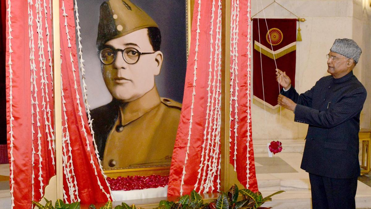 Netaji or Actor Prasenjit Chatterjee?: নেতাজির বদলে অভিনেতা প্রসেনজিতের ছবি উন্মোচন করলেন রাষ্ট্রপতি? টুইটারে তুলকালাম!