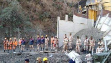 Uttarakhand Glacier Burst: উত্তরাখণ্ড বিপর্যয়ে আটকদের খোঁজে তপোবন সুড়ঙ্গে উদ্ধারকারী দল, ২০৬ জনের হদিশ মিলছে না