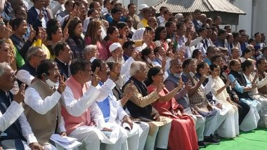 Photo Session At West Bengal Assembly: 'আত্মবিশ্বাসী' মমতা, বিধায়কদের হাতে ভিকট্রি সাইন! বিধানসভা অধিবেশনের শেষ দিনে ফটো সেশন