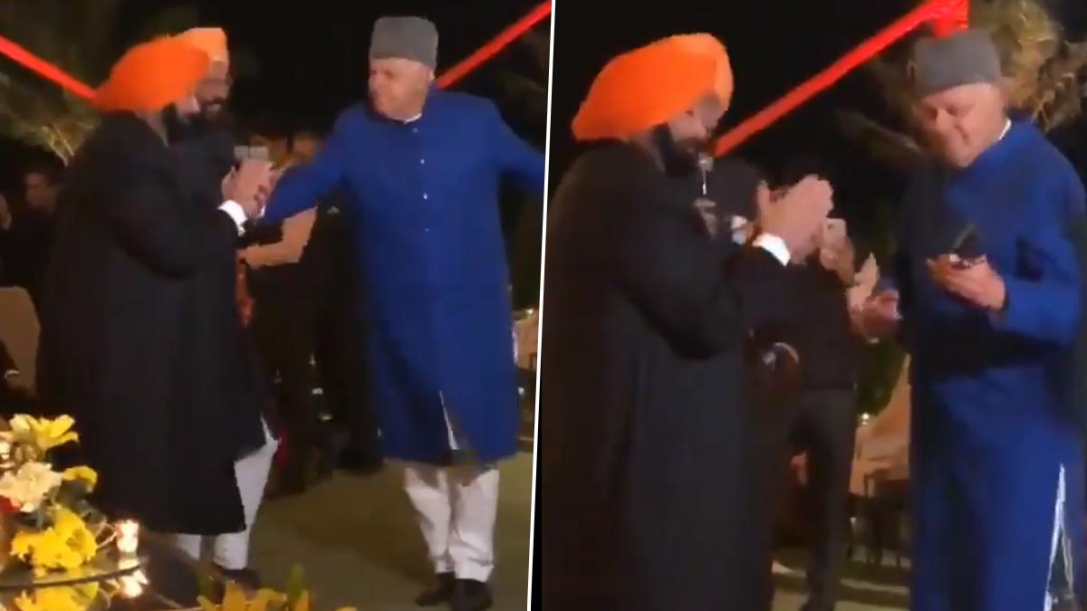 Farooq Abdullah's Dance Video: বিয়ে বাড়িতে মহম্মদ রফির গানে জমিয়ে নাচ ফারুক আবদুল্লার, দেখুন ভাইরাল ভিডিও
