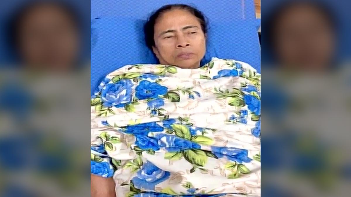 Mamata's Video Message: 'মিটিং নষ্ট হবে না, কয়েকদিন হুইলচেয়ারে যেতে হবে', হাসপাতাল থেকে ভিডিও বার্তা মুখ্যমন্ত্রী মমতা বন্দ্যোপাধ্যায়ের