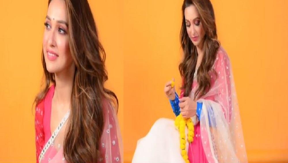 Mimi Chakraborty On Holi 2021 : প্রচারের মাঝে মিমির 'রংবাজি'