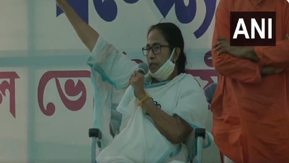 West Bengal Assembly Election 2021 : বহিরাগত গুন্ডাদের দিয়ে কুকর্ম করিয়ে হিন্দু, মুসলিমের বিভেদ তৈরি করতে চাইছে বিজেপি, তোপ মমতার